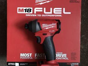 Бесщеточный винтоверт Milwaukee М18 fuel 2753-20