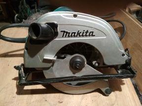 Дисковая пила Makita 5704 Р