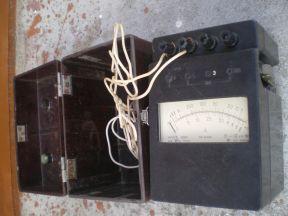 Мегаомметр(измеритель сопротивления изоляции) М410