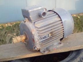 Электродвигатель трехфазный 4 кВт