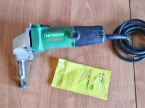 Ножницы по металлу Hitachi CN 16 SA