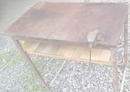 Верстак слесарный металлический с тисками в гараж