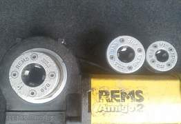 Клупп электрический резьбoнарезной Rems Amigo2