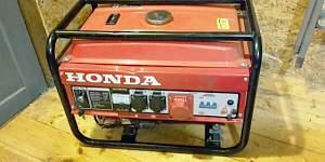 Бензиновый генератор 380/220вольт2,5 квт
